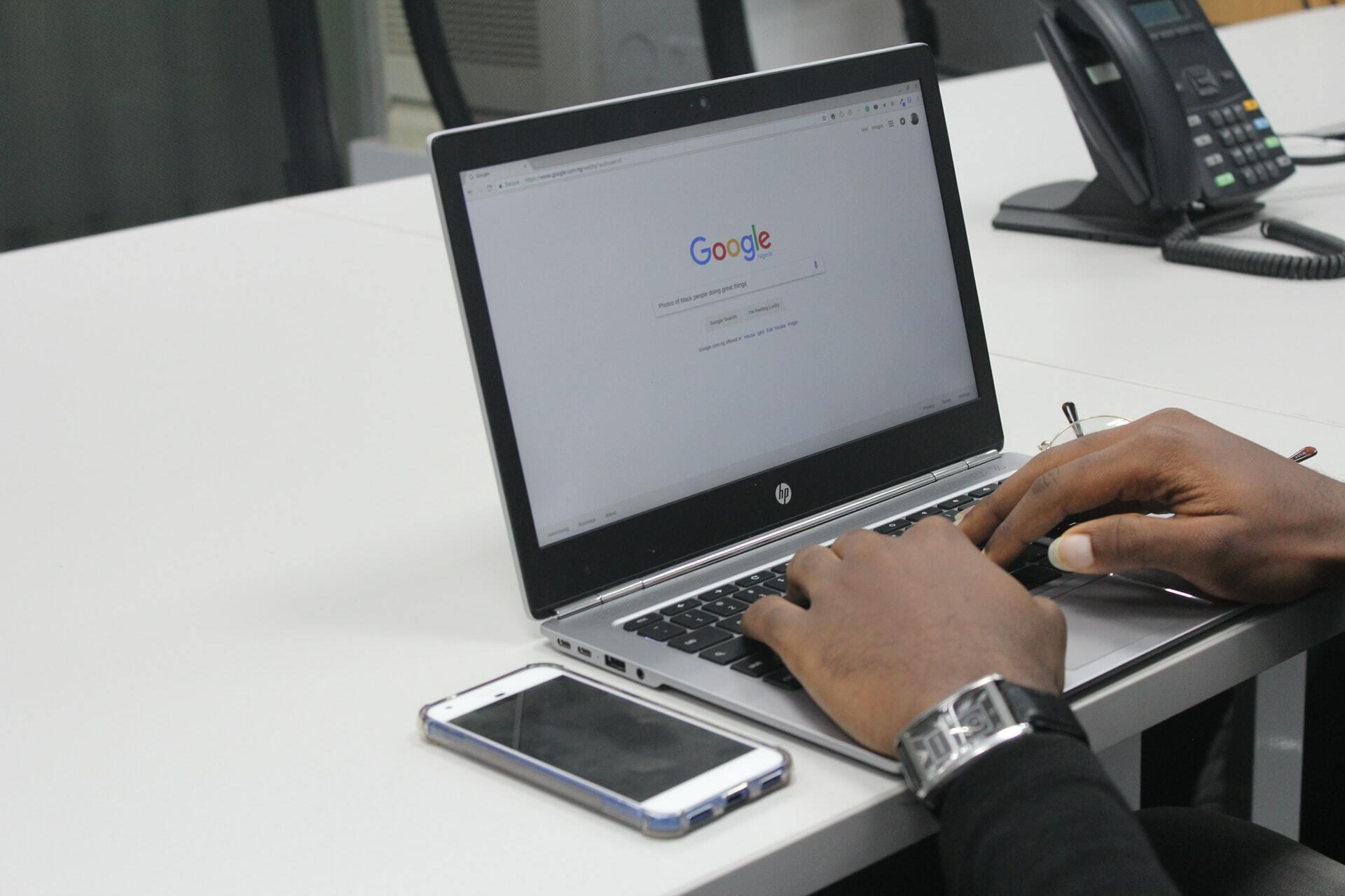 ¿Cómo funciona por dentro un motor de búsqueda?